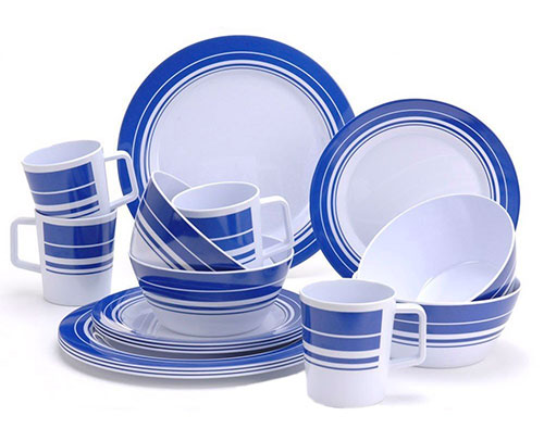 Sixteen Piece Blue and White Melamine Dinner Set from Redcliffs