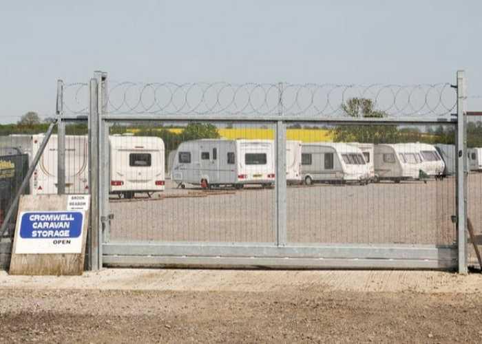 Cromwell Caravan Storage
