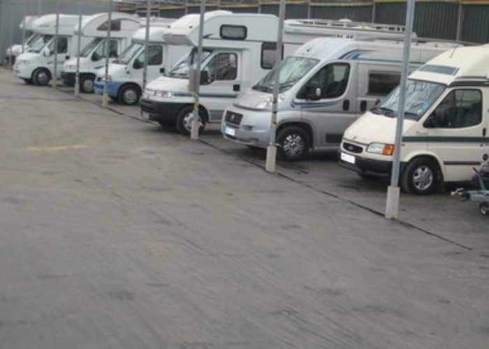 J26 M5 Caravan Storage